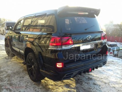 Накладки на задний бампер на Toyota Land Cruiser 200 во Владивостоке