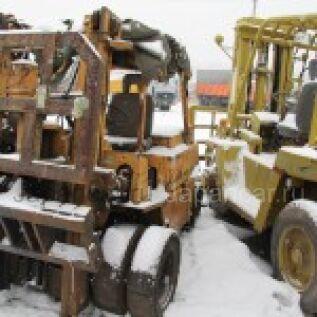 Погрузчик KOMATSU FD35-2 82453 1989 года в Красноярске