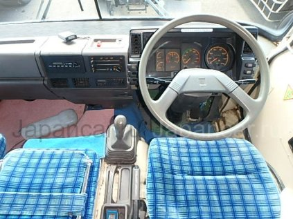 Фургон ISUZU FORWARD 1994 года во Владивостоке
