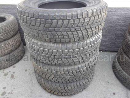 Зимние шины Dunlop 225/70 16 дюймов б/у во Владивостоке