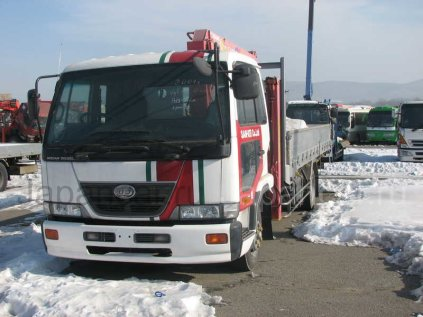 Бортовой+кран Nissan DISEL 2001 года во Владивостоке