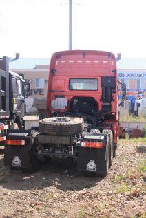 Седельный тягач Howo ZZ4257V3249V 2011 года в Благовещенске