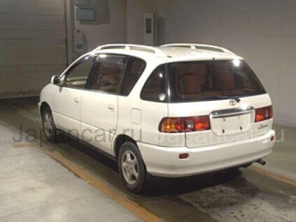 Toyota Ipsum 2001 года во Владивостоке