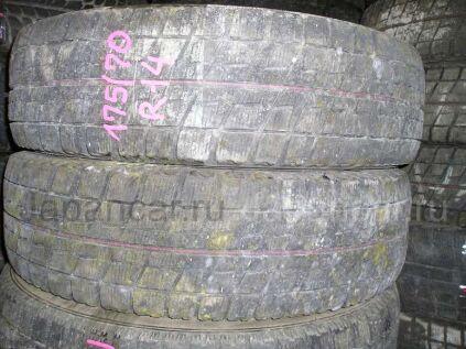 Зимние шины Bridgestone Blizzak rev02 175/70 14 дюймов б/у во Владивостоке