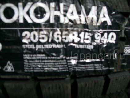 Зимние шины Yokohama 94q 205/65 15 дюймов новые во Владивостоке