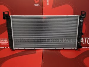 Радиатор двигателя на Chevrolet Sierra 4.8 V8