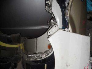 Крыло на Toyota Voxy AZR60 2003