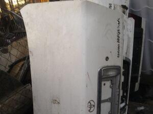 Крышка багажника на Toyota Crown Majesta 177