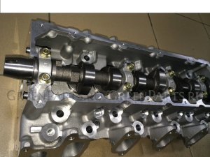 Головка блока цилиндров на Toyota Hilux Surf KZN185 1KZ