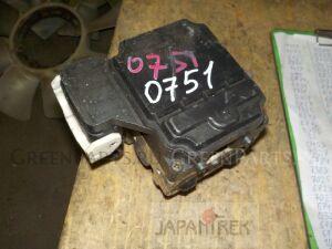 Блок abs на Toyota Harrier MCU15W 0751