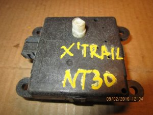 Сервопривод заслонок печки на Nissan X-Trail NT30 QR20 3J01030850