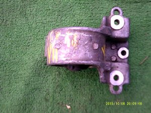 Подушка двигателя на Nissan Wingroad 11