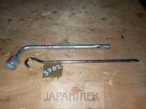Ручка домкрата на Nissan Murano PNZ50 VQ35