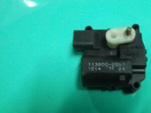Сервопривод заслонок печки на Toyota Corolla NZE121 1NZ-FE 31