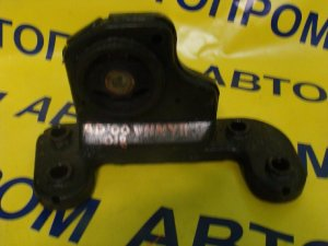 Подушка двигателя на Nissan Ad VHNY11 QG18