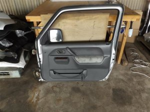 Дверь на Suzuki Jimny Wide JB33W