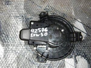 Мотор печки на Toyota Prius ZVW30 2ZR 5137014