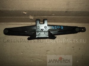 Домкрат на Toyota Camry SV40 4S-FE