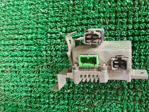 Блок управления рулевой рейкой на Honda Fit GD1 L13A 39980SAAJ311
