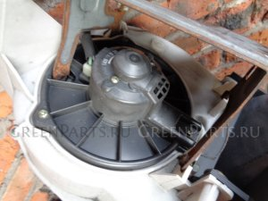 Мотор печки на Suzuki Escudo TD52W J20A