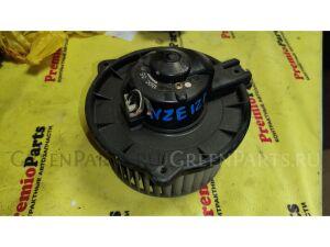 Мотор печки на Toyota Corolla Fielder ZZE122 1ZZ-FE