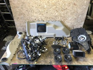 Магнитофон на Mitsubishi Pajero V83W, V85W, V86W, V87W, V88V, V88W, V93W, V95W, V9 6G72 6G74 4M41 130