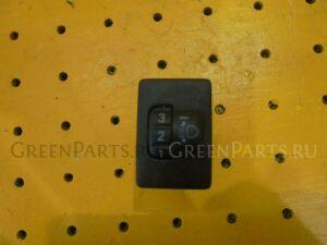 Кнопка корректора фар на Toyota Prius NHW20 1NZ-FXE