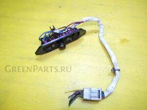 Доводчик двери на Nissan Liberty RM12 QR20DE