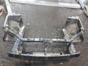 Рамка радиатора на Toyota Corolla Fielder NZE121 1NZ-FE