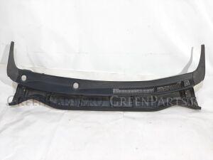 Решетка под лобовое стекло на Toyota Wish ZGE20G 2ZRFAE 5570868030