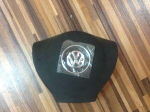 Заглушка в руль на Volkswagen Jetta