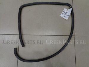 Уплотнительная резинка на Mazda Demio DY 2000-2007 1.3 91л.с. ZJ / АКПП Хетчбек 2003г. D35068913A