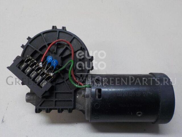 Моторчик стеклоочистителя на Mercedes Benz W210 E-Klasse 2000-2002 0390241429