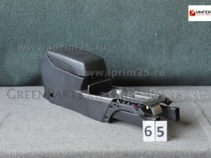 Бардачок между сиденьями на Subaru Legacy BR9 EJ25