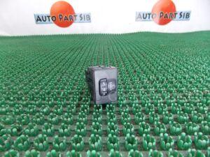 Кнопка на Toyota Ractis SCP100 2SZ-FE