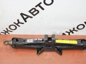 Домкрат на Toyota 125 366