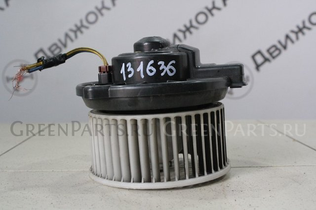 Мотор печки на Honda RA1 131 636