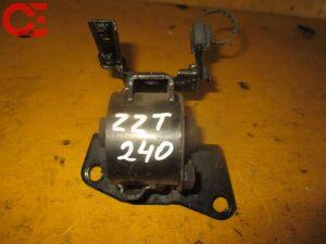Подушка двигателя на Toyota Premio ZZT240