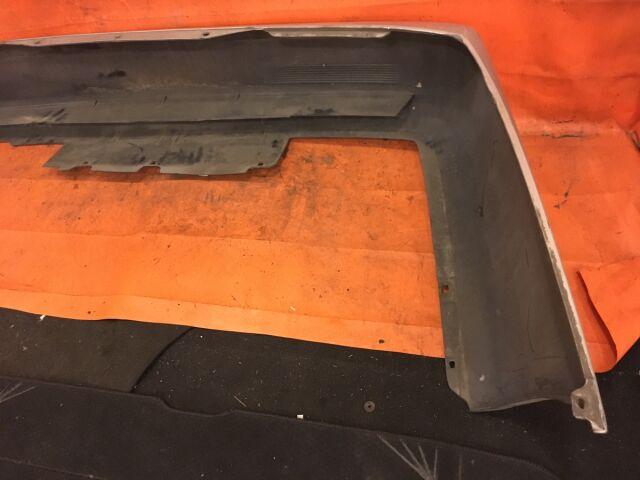 Бампер на Nissan Bluebird HU14