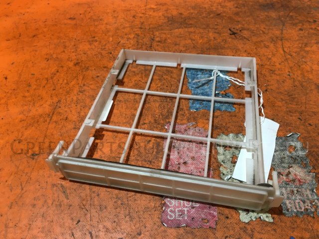 Корпус салонного фильтра на Toyota Vitz NCP10, NCP13, NCP15, SCP10, SCP13