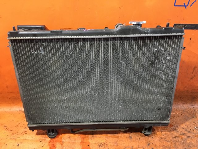 Радиатор двигателя на Toyota Nadia SXN10 3S-FE