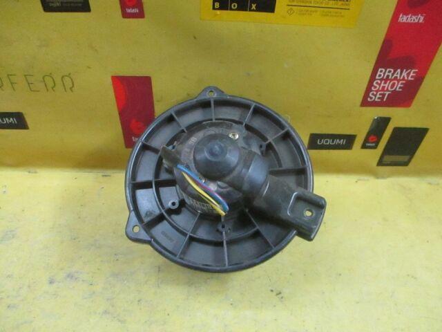 Мотор печки на Honda Accord Wagon CF6