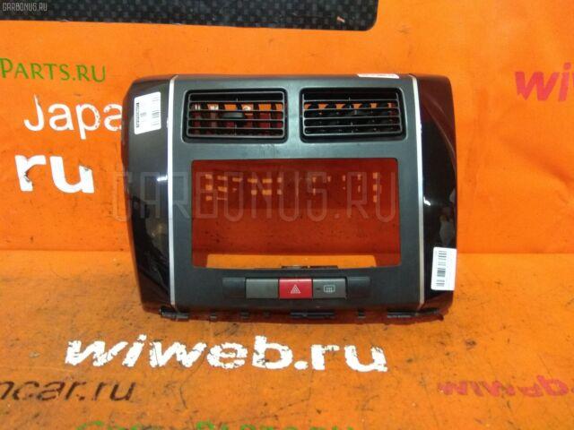 Консоль магнитофона на Daihatsu Mira L275S