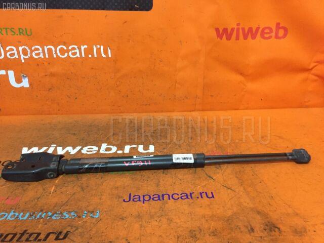 Амортизатор двери на Nissan Ad Wagon VFY11