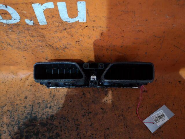 Дефлектор на Nissan Serena C26
