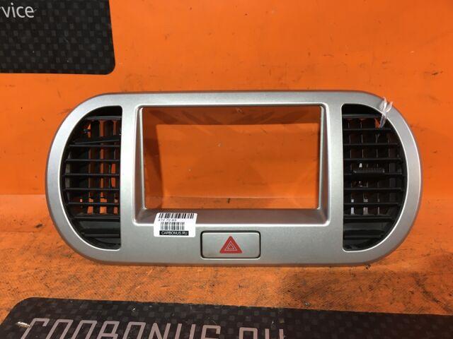 Консоль магнитофона на Nissan Moco MG22S