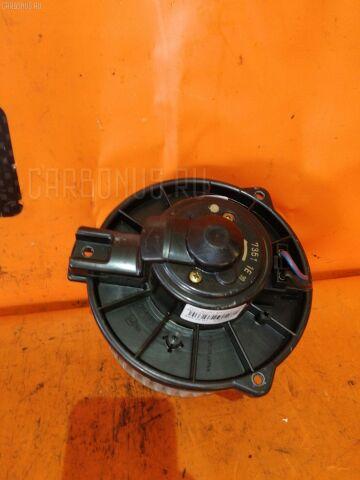 Мотор печки на Toyota Alphard MNH10W
