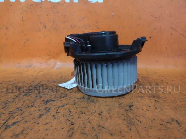 Мотор печки на Toyota Vitz SCP90
