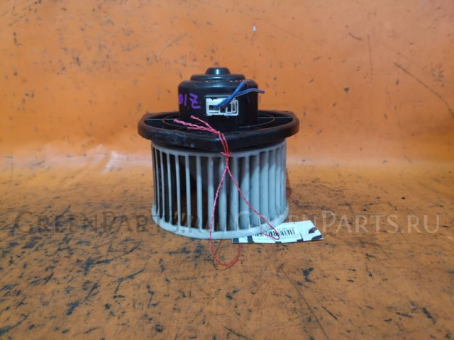 Мотор печки на Nissan Cube Z10