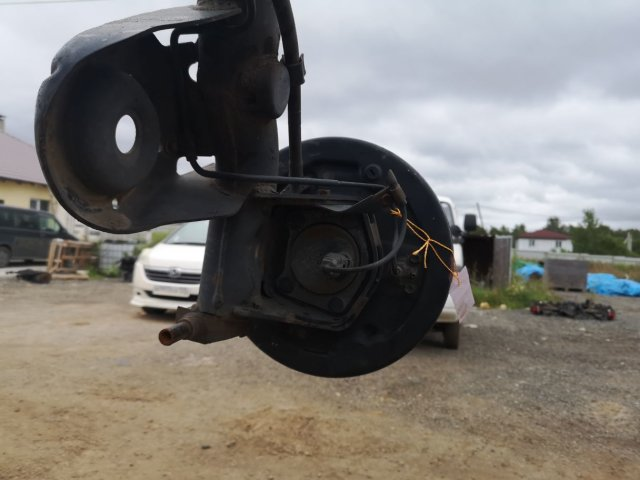 Балка подвески на Toyota Ipsum SXM10G 3S-FE